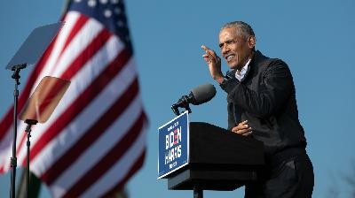 BONUS: Barack Obama Talks About What It Means To Be A Man