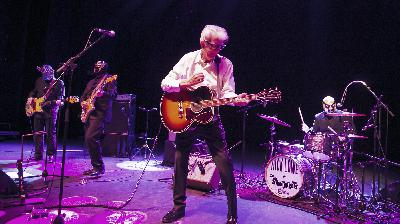 Nick Lowe Performs 'Lay It On Me Baby' From His West London Home