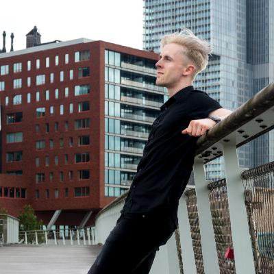Creating an Online Business w/ Lars Wettmann   The Freelancer Talk #15