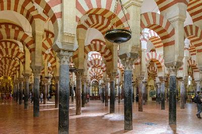 La Cultureta Gran Reserva: Historia y asimilación de la Mezquita de Córdoba (de la que brotó una catedral)