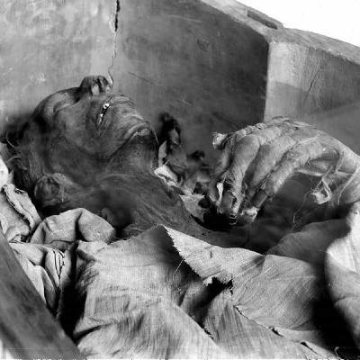 Ramsés II resucita