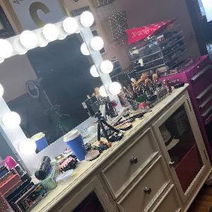 How's your makeup setup?