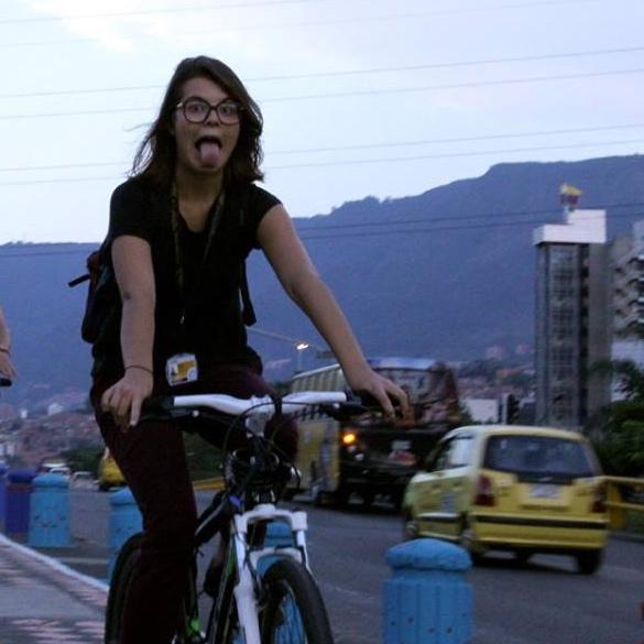 Mulheres e bicicleta (Temp 0 Ep 1)
