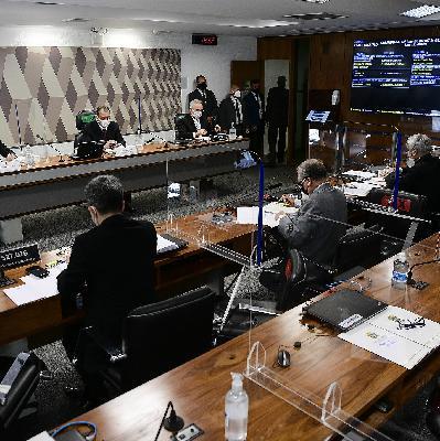 A volta dos trabalhos na CPI da Covid e no STF; o frio começa a dar uma trégua; e as notícias de Tóquio