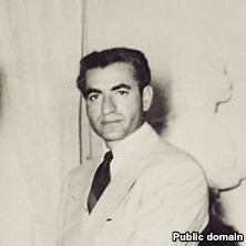 38 - محمد رضا شاه در فردای ۲۸ مرداد