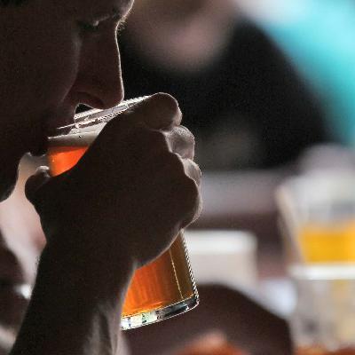 """414 - Nossas opiniões sobre a """"Drinking Age"""" 😊"""