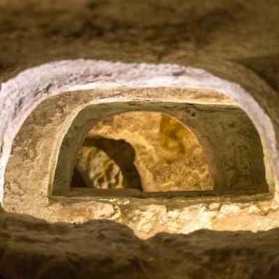 136 - Il vero messaggio cristiano delle catacombe