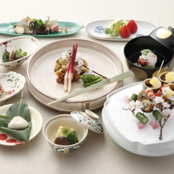 """Episode 329: Eat With Your Eyes: """"Moritsuké,"""" Japanese Arrangement of Food on the Plate"""