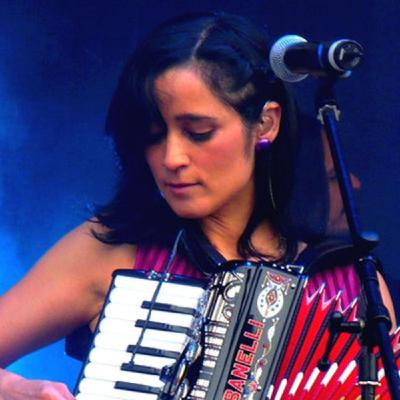 061 MIXEDisBetter Julieta Venegas (Love is Love)