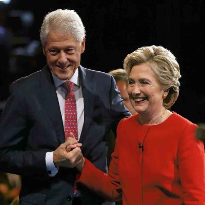 Hillary et Bill Clinton, une histoire d'ascension, de scandale et de pardon