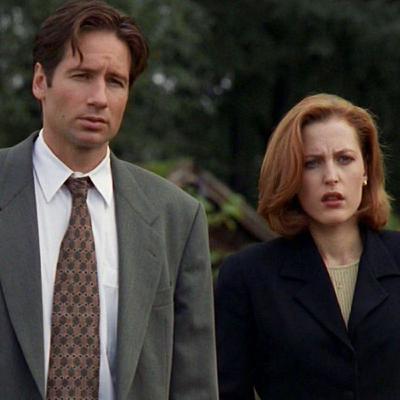 """Mulder et Scully de """"The X-Files"""" : une histoire de réel, d'irréel et de transgression"""