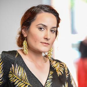 Nikoletta Gjoni, Editor's Tale