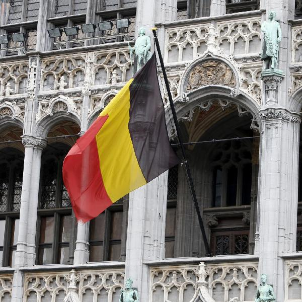 Aflevering 51: Dan maar naar België