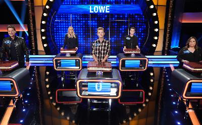201: 06/07/21 - Husband of the Year! Rob Lowe Gifts Wife Sheryl Berkoff Her 'Dream' to Compete on 'Celebrity Family Feud'