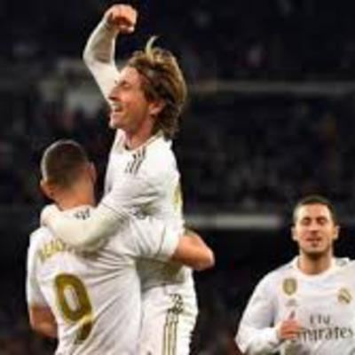 Weekend review plus a look ahead to Champions League meeting with PSG plus the latest headlines