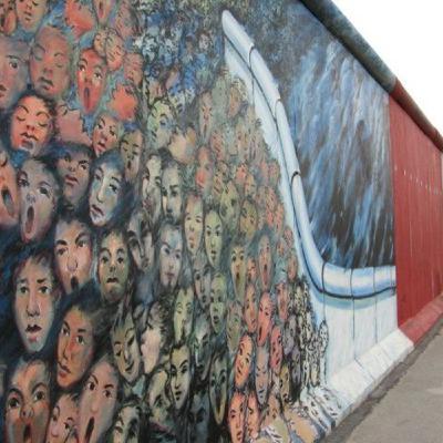 9 novembre 1989, cade il Muro di Berlino - #AccadeOggi - s01e06