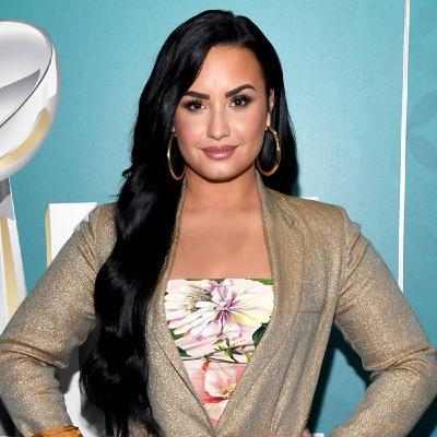 077 Demi Lovato - Take Care - Start of 3rd Season
