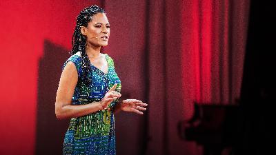 The (de)colonizing of beauty | Sasha Sarago