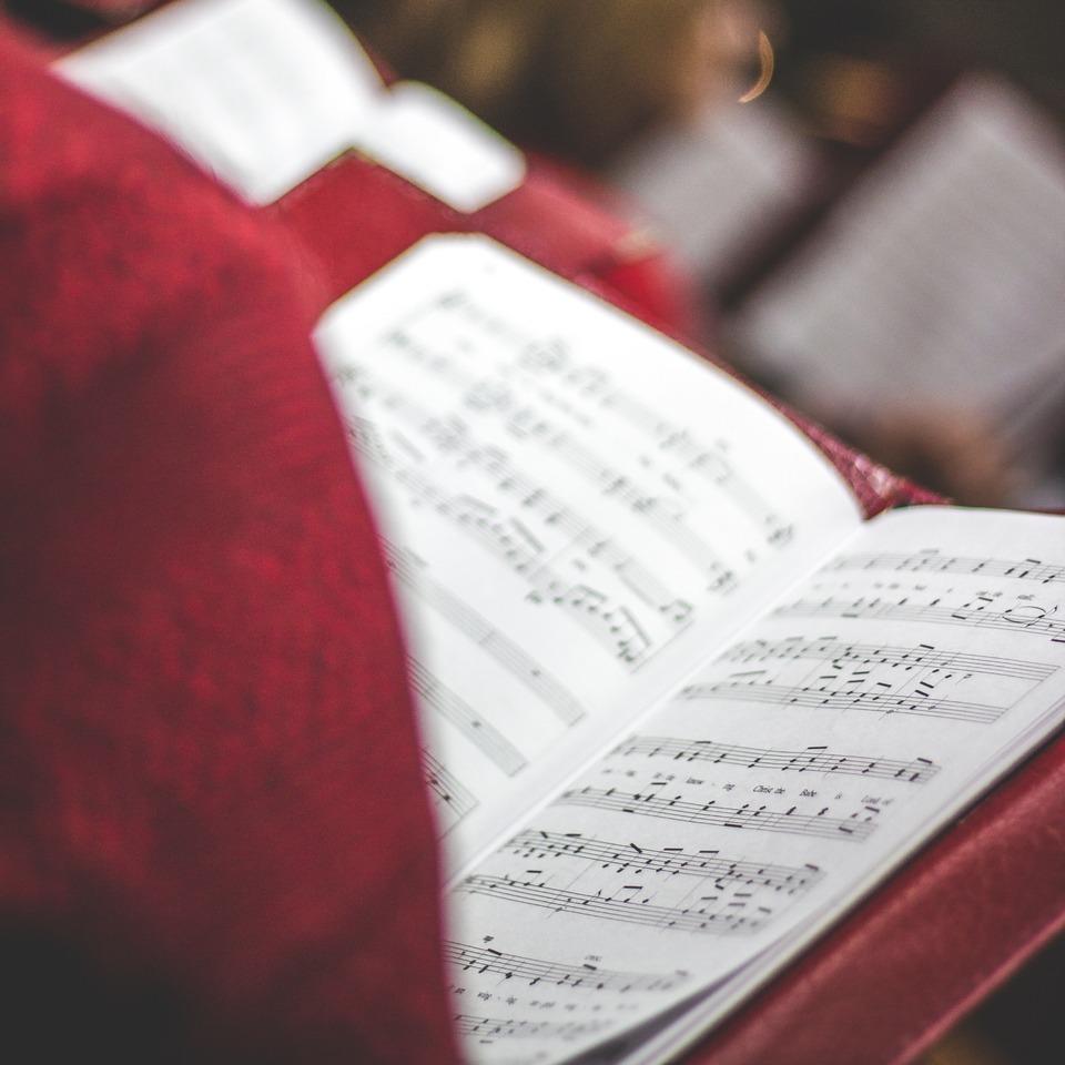 Diskurssemantik - Ideologie und Macht: Zur Macht von Liedern und Gesang