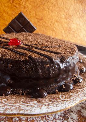 How to Make Eggless Chocolate Truffle Cake